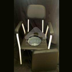 Cadeira sanitária sem rodas